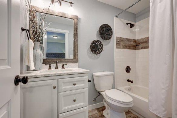 bathroom small spaces